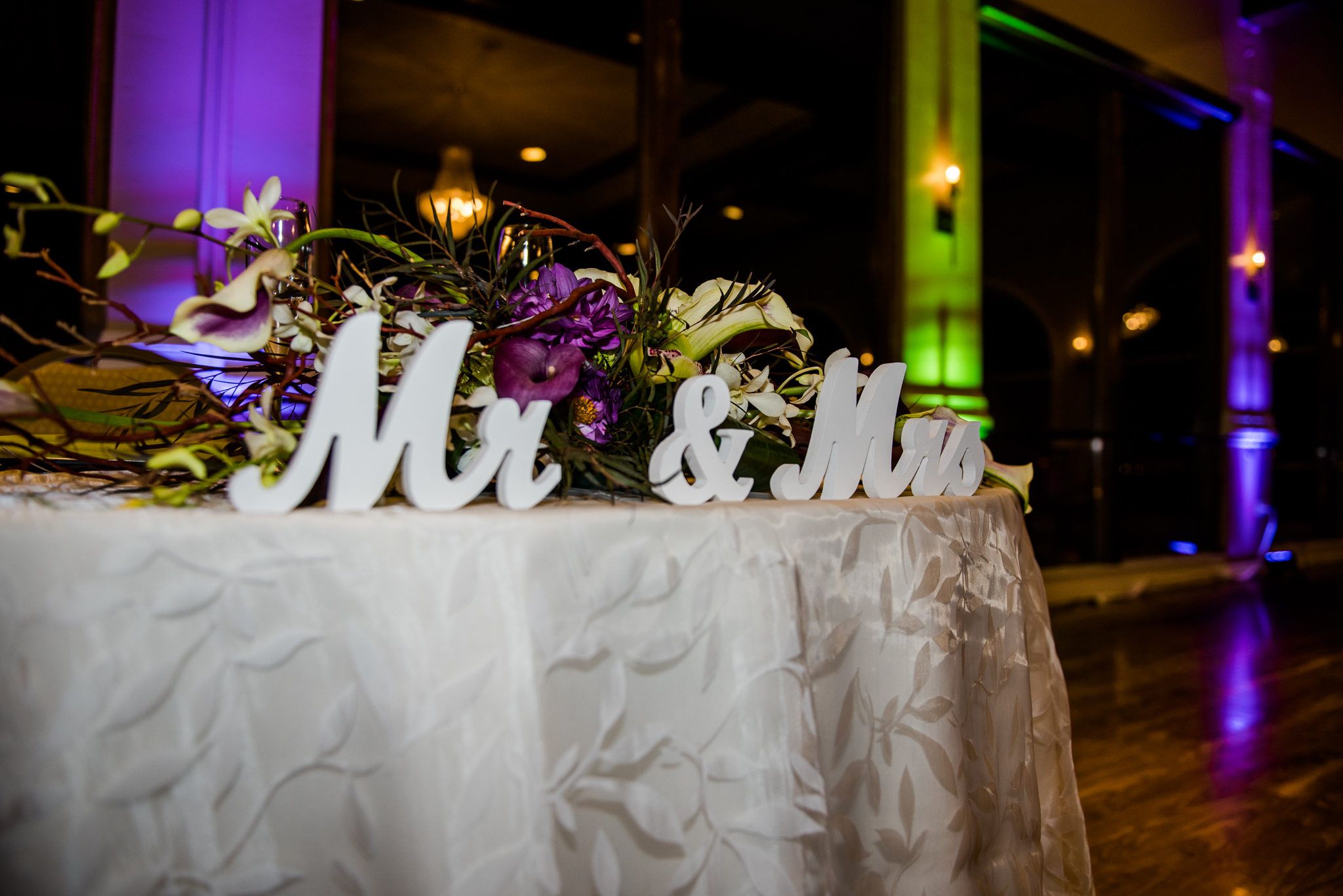 close up of sweetheart table